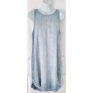 Cloth + Stone Sleeveless Button Chambray Dress